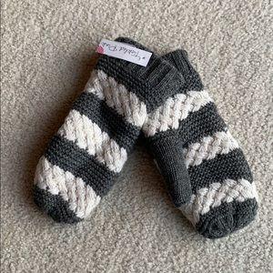 BRAND NEW! Knit Mittens